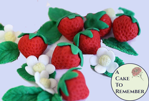 Свадьба - Gumpaste strawberries for cake decorating