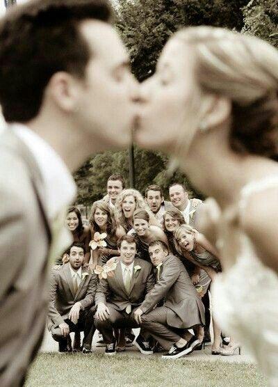 Wedding - 10 Most Creative Wedding Kiss Photos