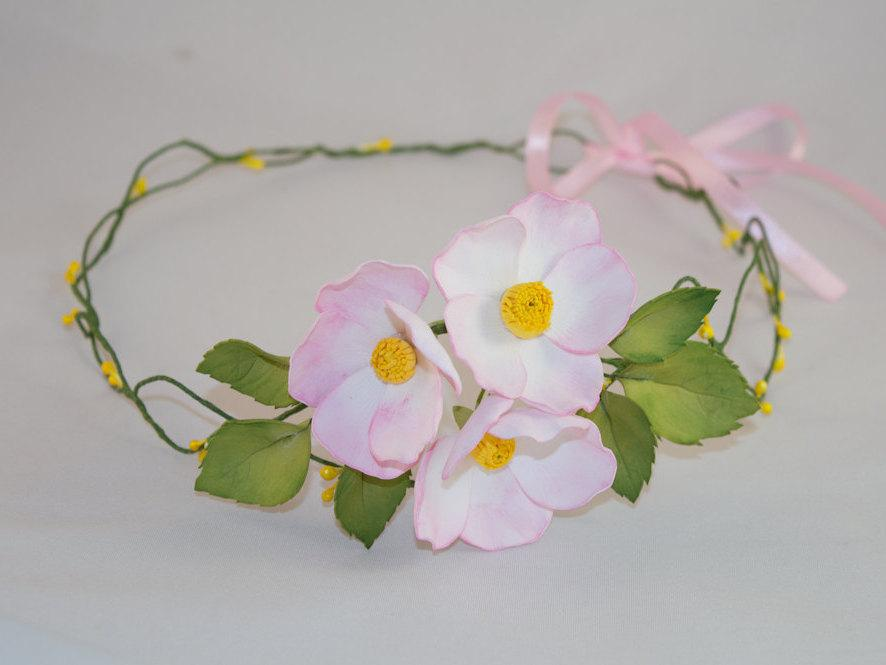 Свадьба - The flower wreath pink dogrose gift for girl and women wedding accessories foam rose couronne fleur boho trends woodland wedding