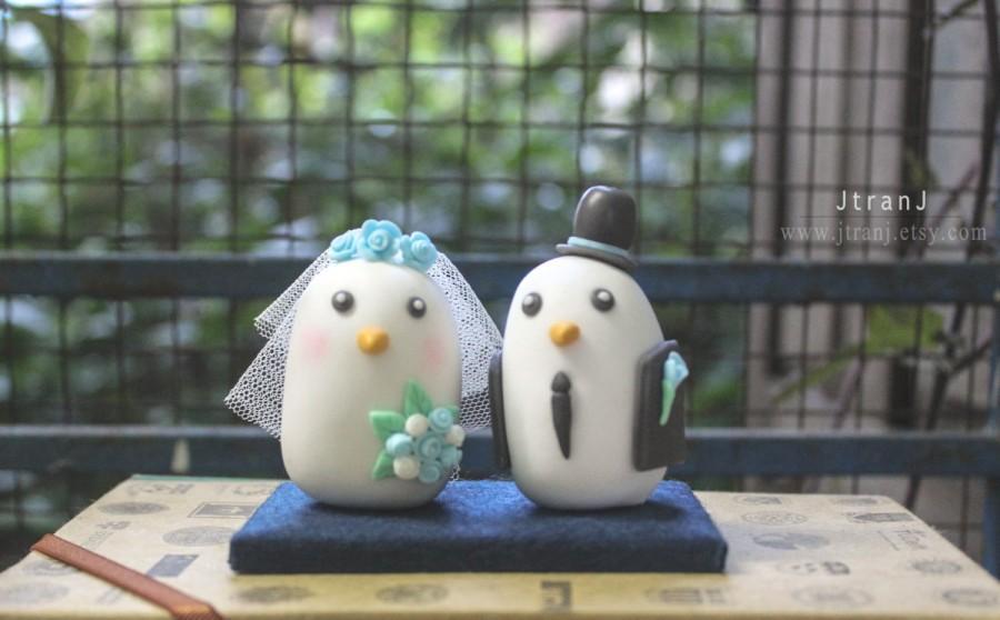 Свадьба - Birds Wedding Cake Toppers, Romantic Groom and Bride, White Black Custom Cake Topper
