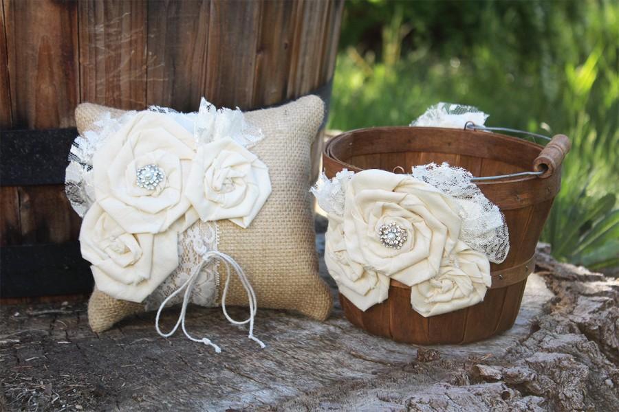 Свадьба - Rustic Flower Girl Basket and Ring Bearer Pillow Set - Burlap Ring Bearer and Flower Girl Set - Rustic Flower Girl and Ring Bearer Set