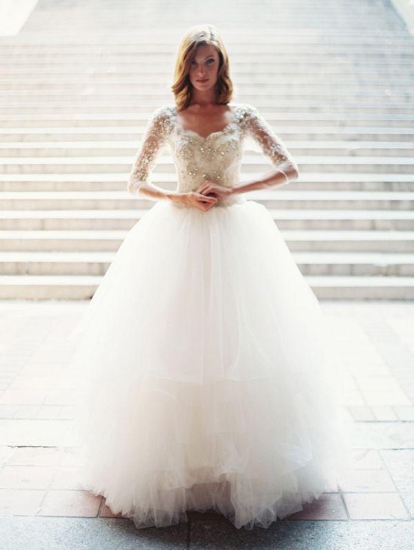 Hochzeit - Ice Queen Style! 25 Stunning Wedding Dresses For Winter Wonderland