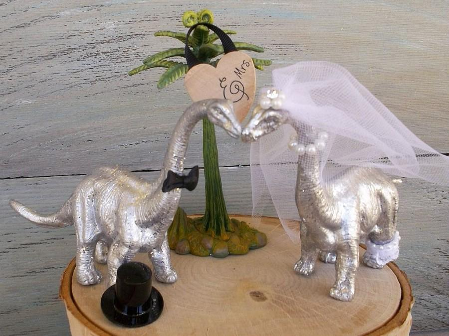 Hochzeit - Wedding Cake Topper, SILVER or GOLD Dinosaur Bride & Groom, Dinosaur Wedding, Dinosaur Theme, Animal Cake Topper, Jurassic Fun, Whimsical