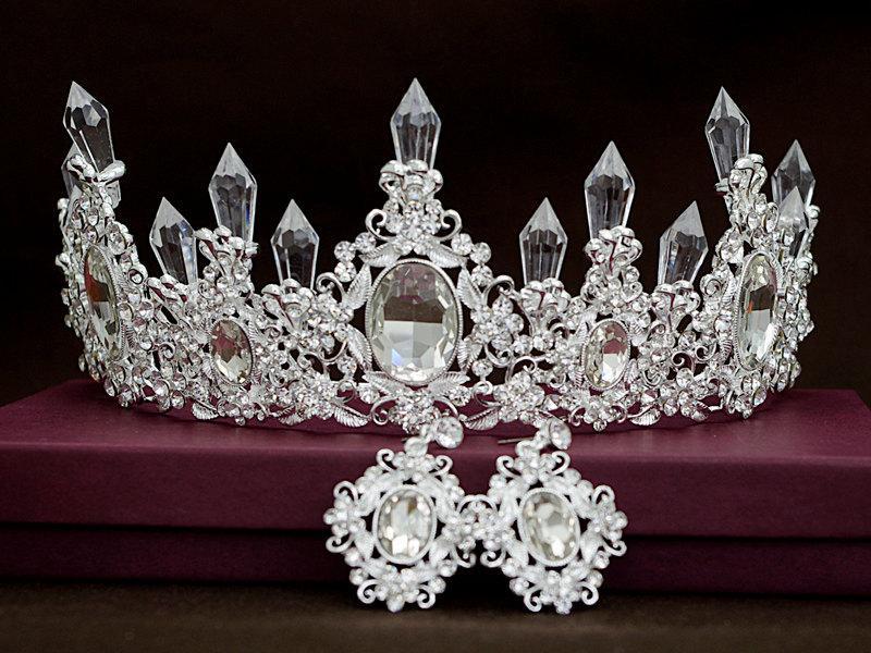 Mariage - Royal crystal crown, Vintage crystal bridal tiara, Floral rhinestone crown, Leaf crown, Victoria crystal headpiece,Art deco ,Silver, Antique