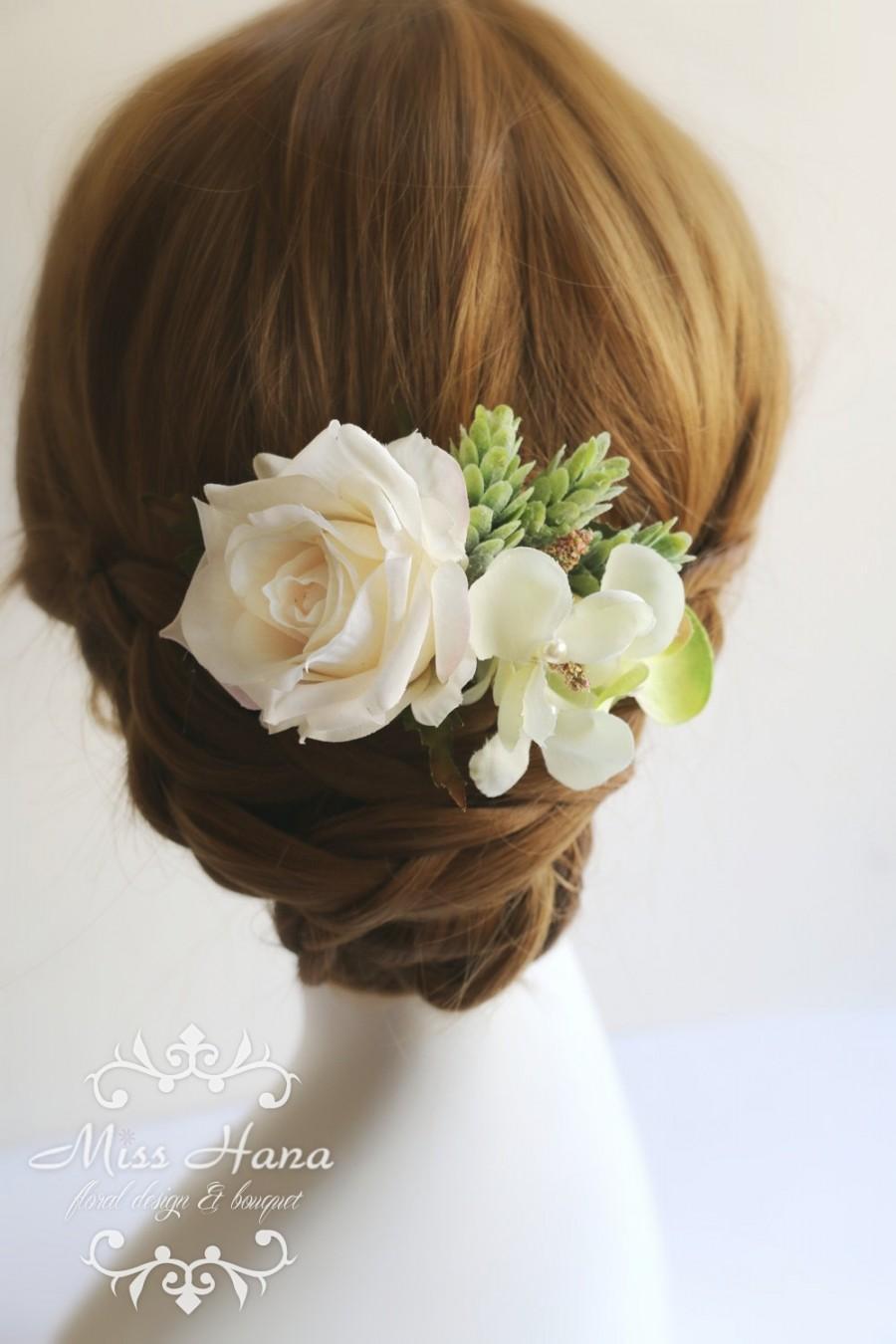 زفاف - Bridal Hair Accessory, ivory rose green wild flowers, Bridal Hair comb hairpiece flower, Bridesmaid Rustic Vintage outdoor wedding woodland