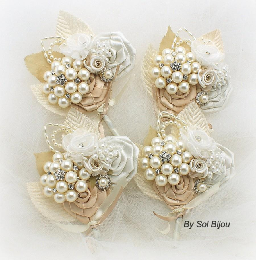 Mariage - Boutonnieres,Champagne,Tan,Ivory,Gold,Corsages,Vintage Style, Groom, Groomsmen,Button Hole,Mother of the Bride, Pearl Boutonnieres, Crystals