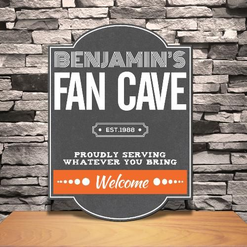 Hochzeit - Personalized Fan Cave Tavern Sign