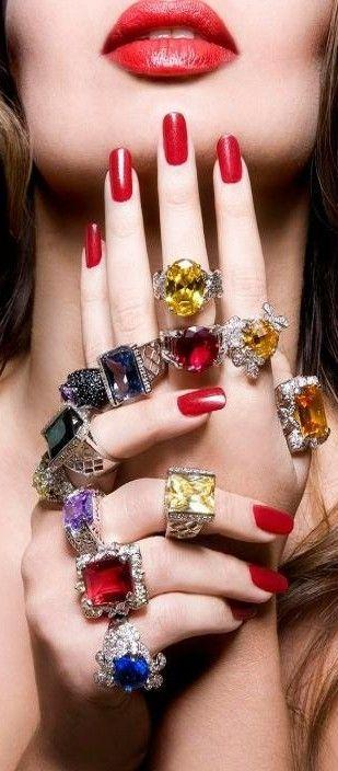 Mariage - What Color Should You Paint Your Nails According To Your Personality?