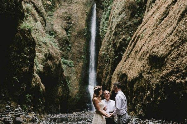 Düğün - Intimate Barefoot Elopement In The Columbia River Gorge