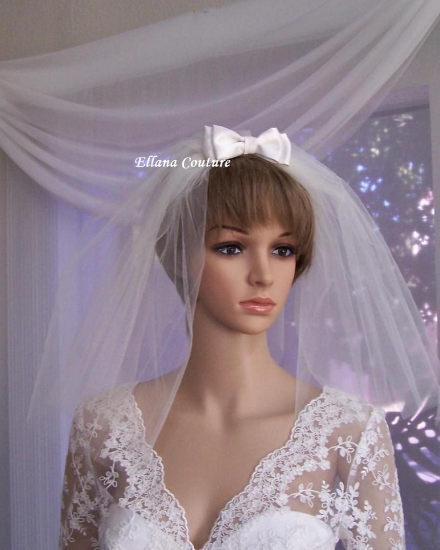 Свадьба - Short Retro Inspired Veil with Small Satin Bow.