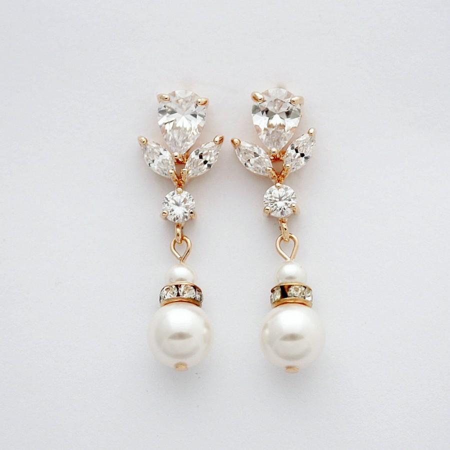 Mariage - Rose Gold Wedding Earrings Pearl Crystal Bridal Earrings Bridesmaid Earrings Swarovski Pearls Crystal Bridal Earrings Wedding jewelry, Isla