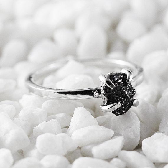 Mariage - Uncut Black Diamond Ring Rough 14k White Gold Delicate Rings