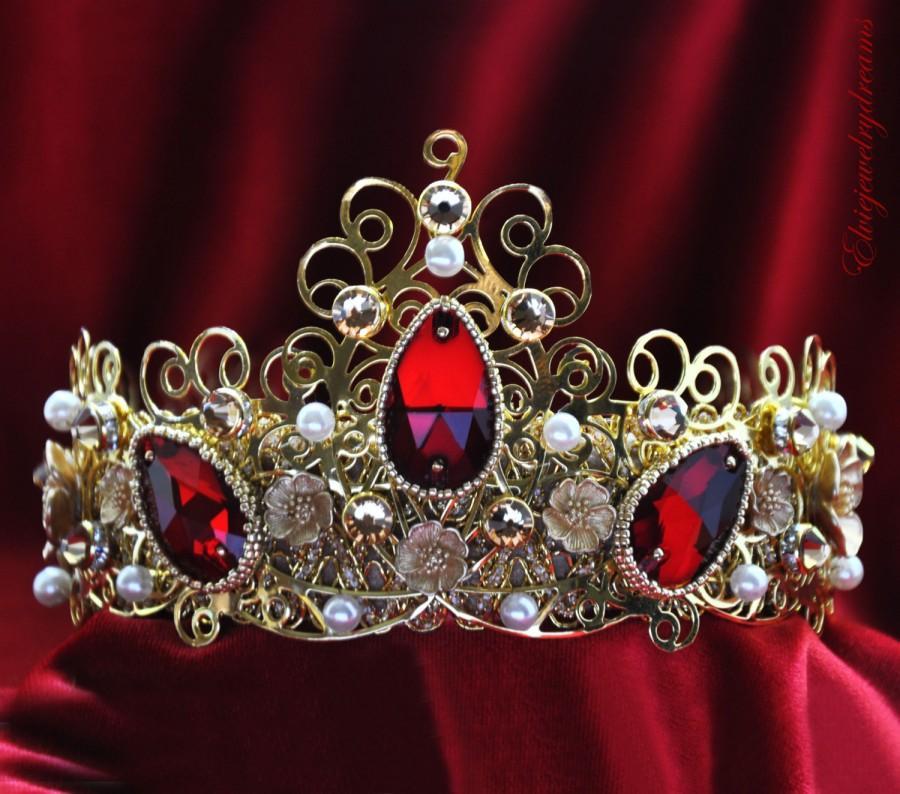 Свадьба - Red Rhinestone Bridal Crown Tiara with Swarovski Crystals Pearls for Bride, Bridesmaid, renaissance crown, Wedding Party Baroque Runway