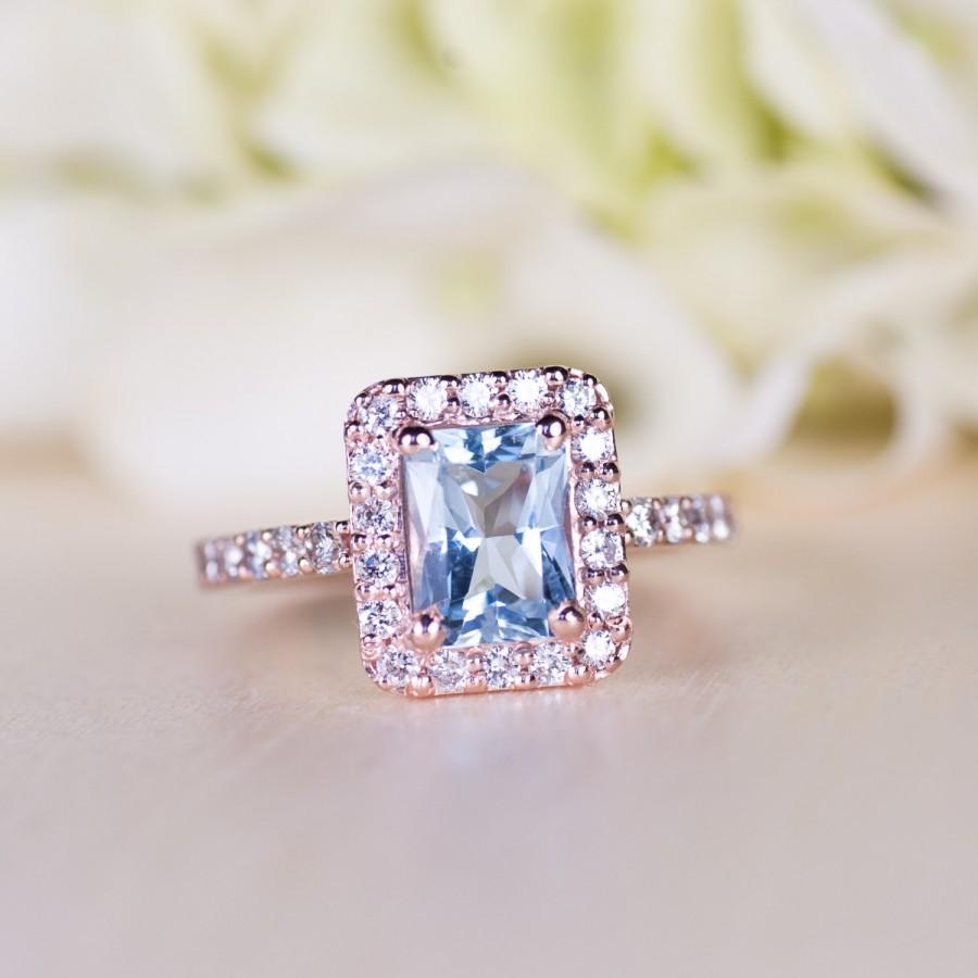 Mariage - Aquamarine Rose Gold Engagement Ring, Diamond Halo Ring, Diamond Halo ring, Aquamarine Engagement Ring, Emerald Cut Ring