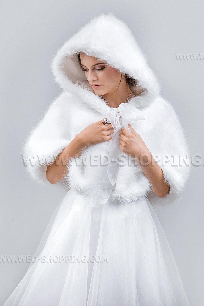 Hochzeit - Hooded Capelet Wedding Cape  Wrap Cape Fake Wolf White Ivory Black E1511 Winter Bride