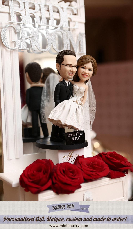 Hochzeit - Custom Wedding Cake Toppers
