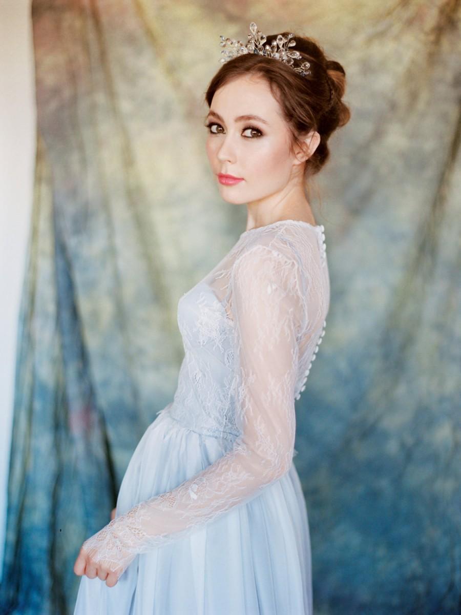 Pegasus // Grey Wedding Dress - Chantilly Lace Wedding Gown ...