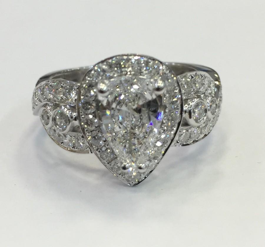 Hochzeit - Pear shape halo engagement ring
