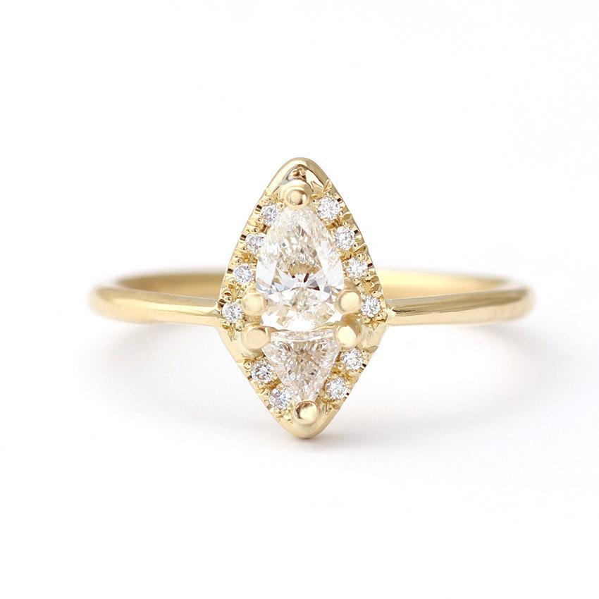 Hochzeit - Diamond Cluster Ring - Pear & Trillion Diamond Ring - 0.3 Carat Pear Diamond - 18k Solid Gold