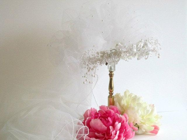 Hochzeit - Bridal, Veiling, 1970 Poof, pearls, rhinestone wedding headpiece