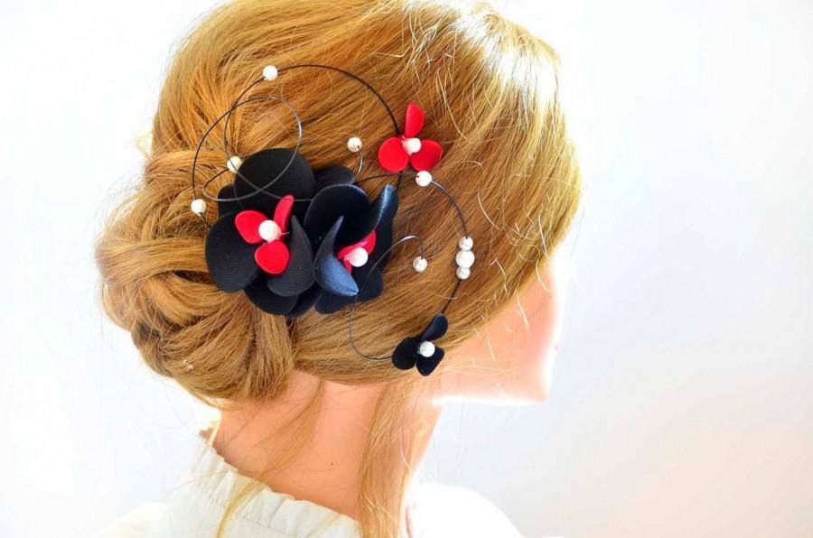 Свадьба - Black and red fascinator Floral headpiece Bridal hair clip Black headpiece Wedding fascinator Wedding hair accessories Hair pin