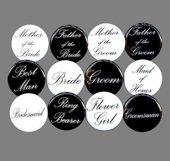 Свадьба - Custom Bridal Party - Buttons Pins Badges 1 1/2 inch Set of 12