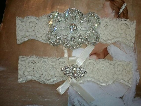 Mariage - SALE - Wedding Garter, Bridal Garter, Garter Set - Crystal Rhinestone on a IVORY Lace - Style G20888