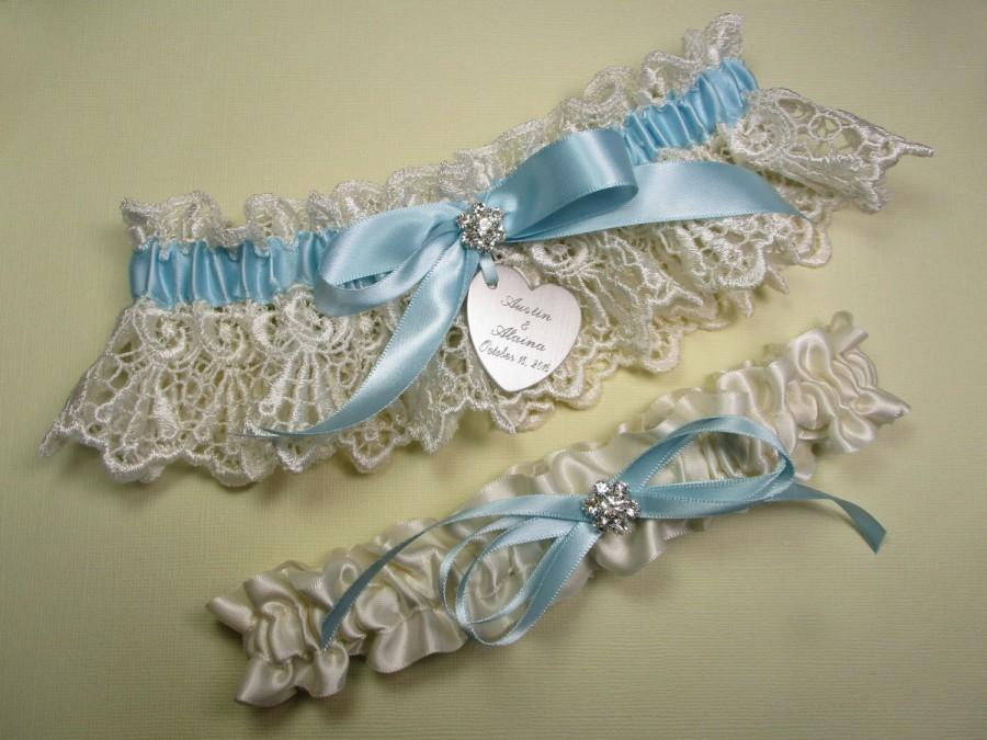 Свадьба - Something Blue Wedding Garter, Personalized Garter Set in Ivory Venise Lace with Engraving, a Bow and Rhinestones