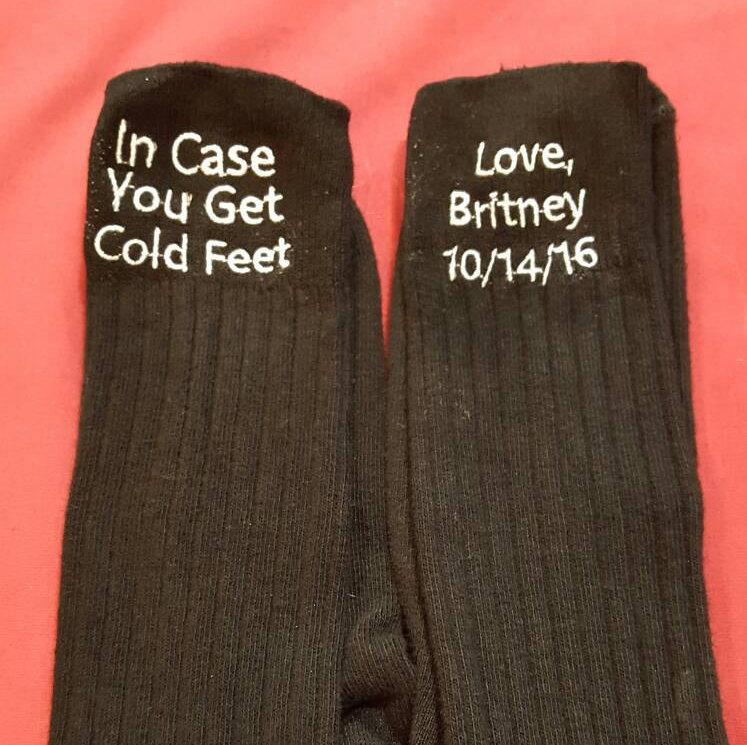 Mariage - In Case You Get Cold Feet  Socks - Groom Wedding Day Socks - Custom Embroidered One Pair Groom socks - Personalized Groom Gift