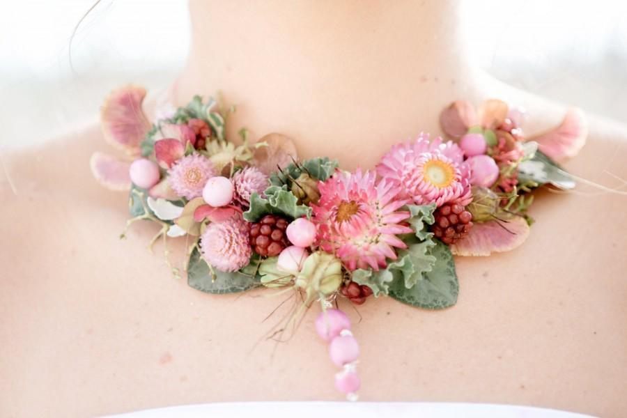 زفاف - Floral necklace made of fresh and dried botanicals