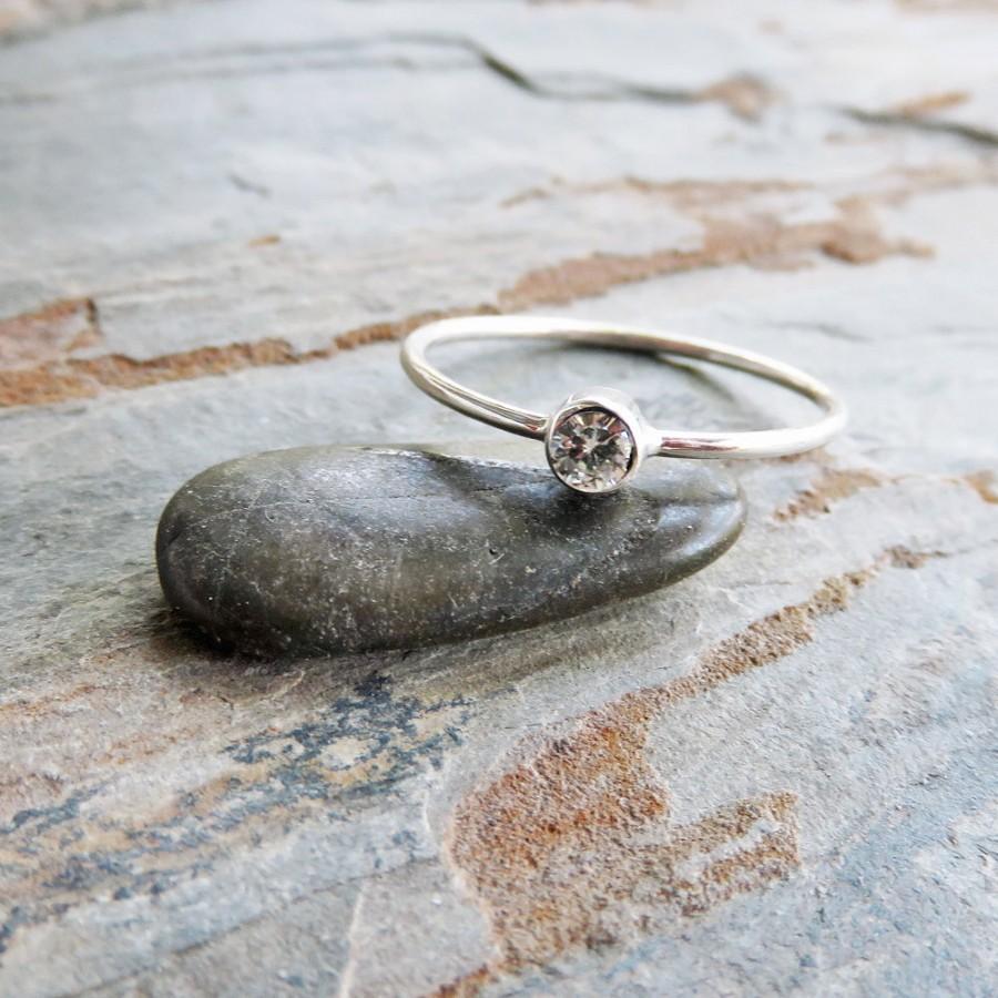 زفاف - 3mm Tiny Moissanite Ring - Sterling Silver Solitaire Ring in Shiny or Matte Finish - Ethical Diamond Alternative, Weddings on a Budget