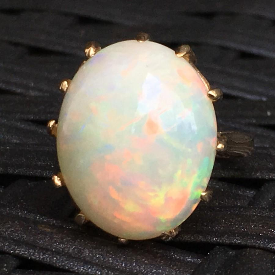 Свадьба - Vintage Opal Ring. 7+ Carat Oval White Opal. 10K Yellow Gold Setting. Unique Engagement Ring. October Birthstone. 14th Anniversary Gift.