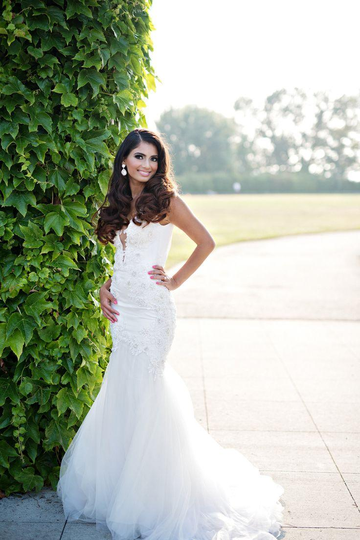 Mariage - Sexy Couture Mermaid Wedding Dress With Deep V Neckline (Style # PB157 Vic)