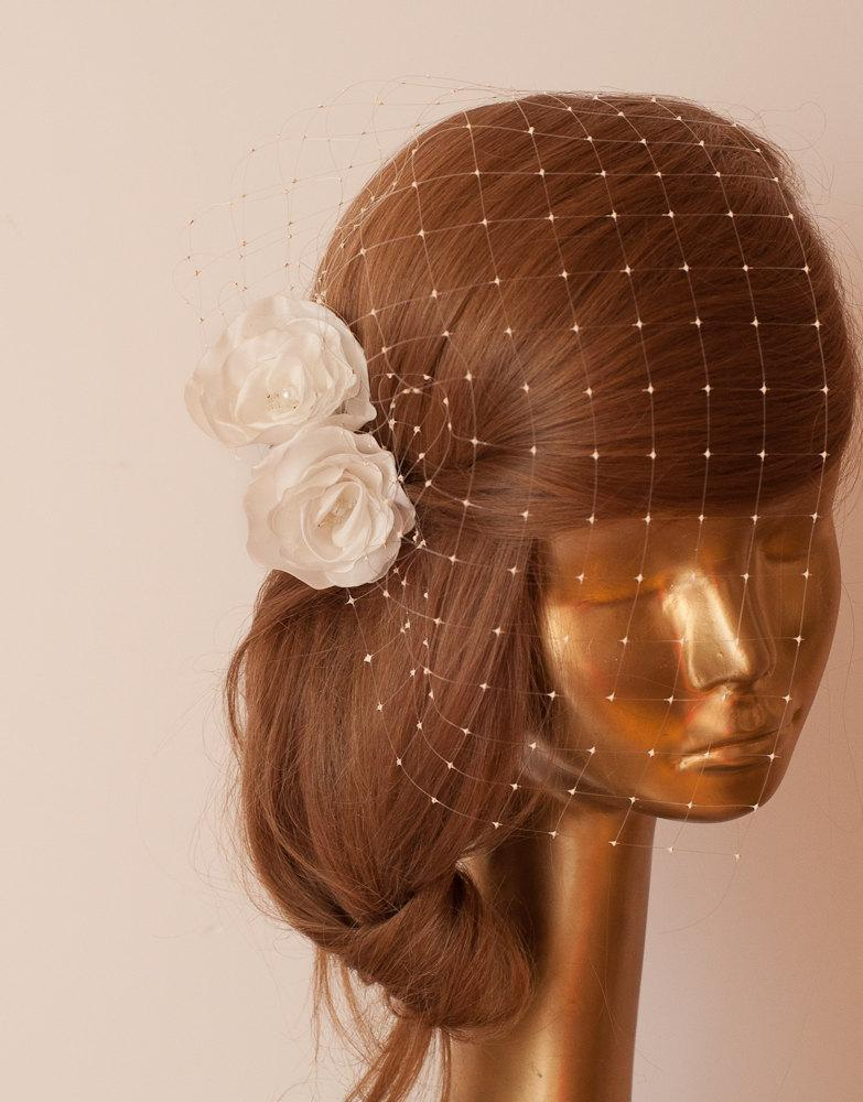 Mariage - BIRDCAGE VEIL. Ivory veil .Romantic wedding Headpiece with beautifull,delicate Flowers.BRIDAL Fascinator