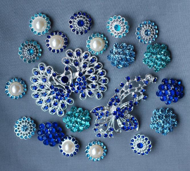 Mariage - 20 Blue Rhinestone Button Brooch Assorted Pearl Crystal Brooch Bouquet Dark Royal Teal Blue Aqua Blue Hair Comb Supply BT144