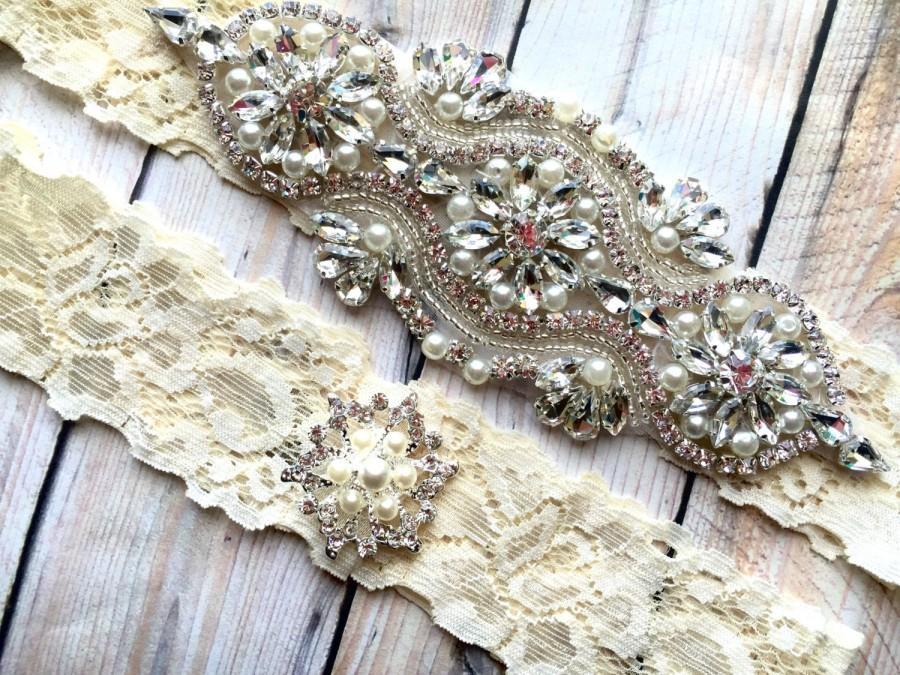 Mariage - Pearl Garter, Rhinestone Garter, Ivory Garter, Ivory Wedding Garter Set, Rhinestone Wedding Garter, Lace Bridal Garter, Pearl Garter Set