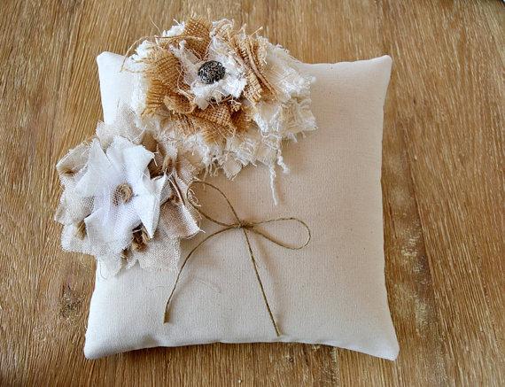 Wedding - Wedding Ring Bearer Pillow Shabby Chic Flowers. Rustic ring bearer pillow. Rustic Wedding Ring Cushion Burlap Flowers. Hessian wedding.
