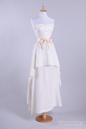 Hochzeit - 1950 Eyelet Sweetheart Vintage Wedding Dress