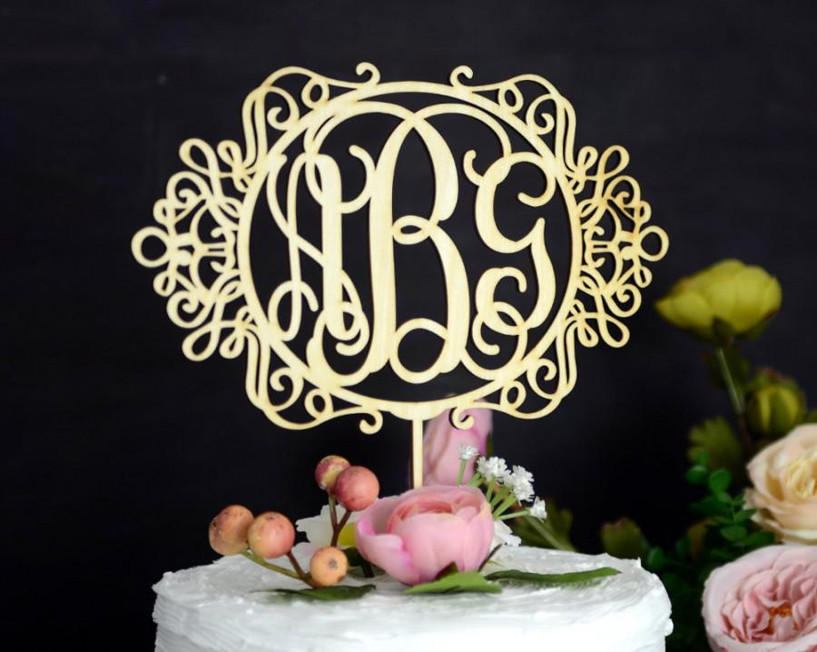 Свадьба - Monogram Wedding Cake Topper, Rustic Wedding Cake Topper, Linden Wood Cake Topper, Personalized with Vine Font Initials 139