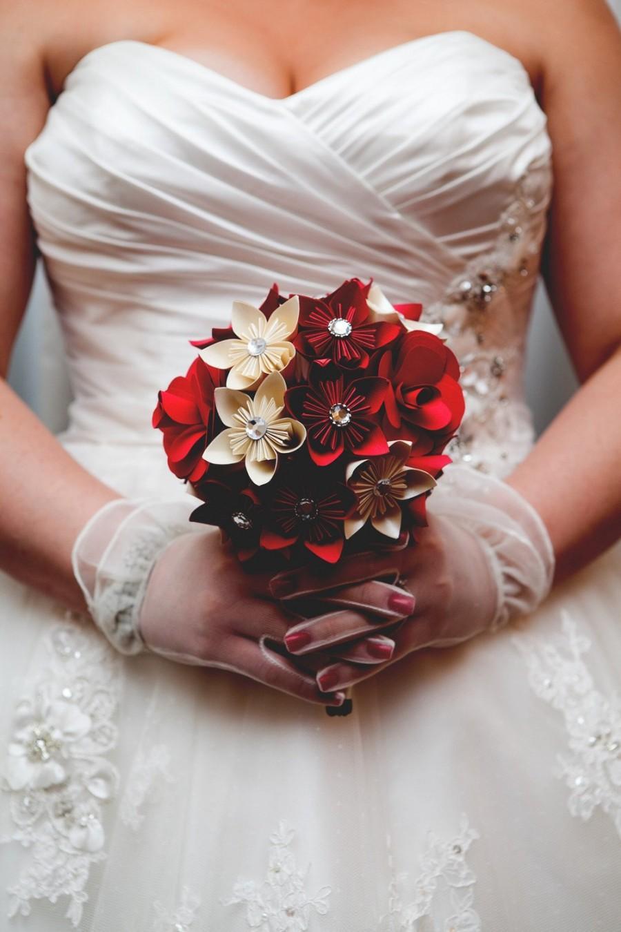 Свадьба - Paper rose and kusudama wedding bouquet, red rose bouquet, kusudama bouquet, bridal bouquet, faux flower bouquet, paper bouquet, elegant