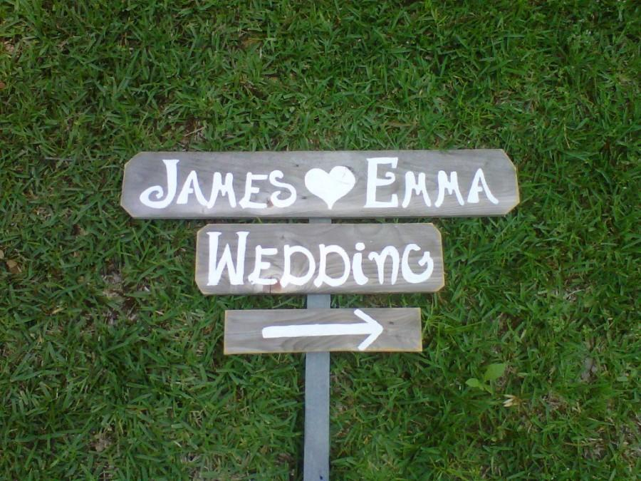 Свадьба - Personalized Wedding Signs Name Date Sign Outdoor Weddings Painted Signs Your Words Rustic Wooden Sign. Wedding Ceremony Sign Entrance