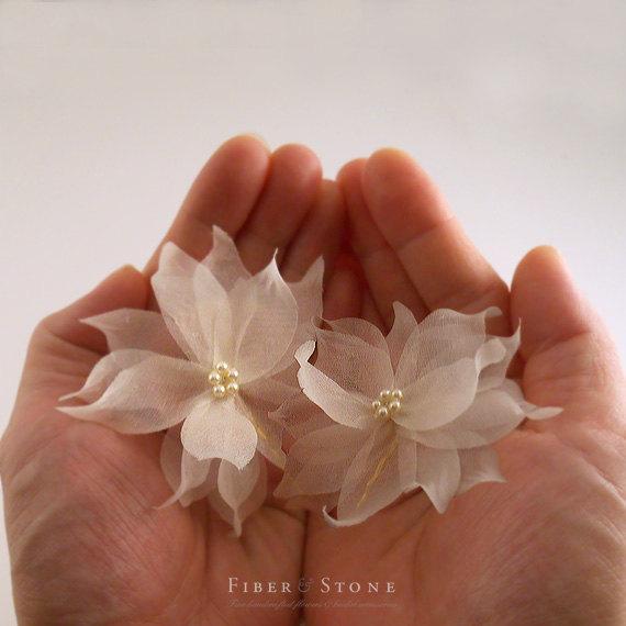 زفاف - Swarovski Pearl Bridal Hair Pin, Flower Bridal Hairpin, Ivory Wedding Hair Pin, Floral Gold Wedding Hairpin, Pure Silk Bridal Hair Accessory