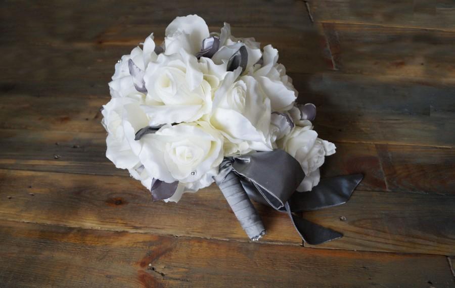 Свадьба - Gray Wedding Bouquet Bridal Bouquet Romantic Wedding Bouquet Keepsake Bouquet Fabric flower bouquet universal addition bouquet of roses