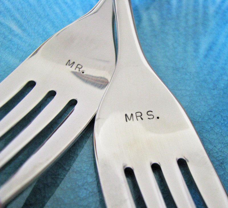 Свадьба - custom wedding cake fork set - personalize for a great gift and wedding keepsake