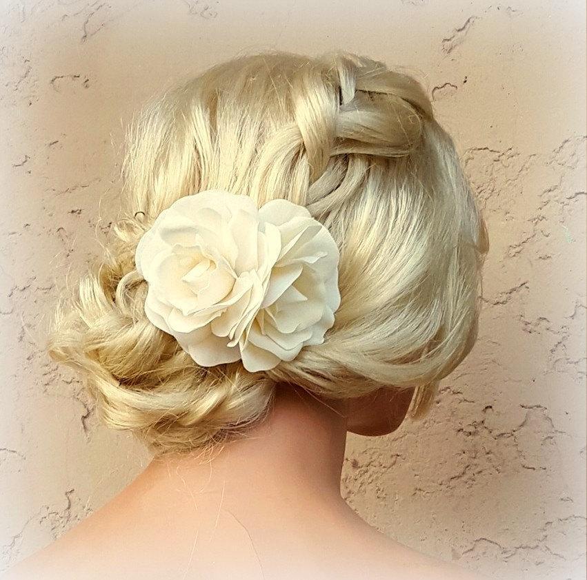 White Flower Hair Clip, WHite Fascinator, Gardenias, Wedding Fascinator,  Bridal Hair Clip, Flower Fascinator, Gardenia Flower Hair Clip