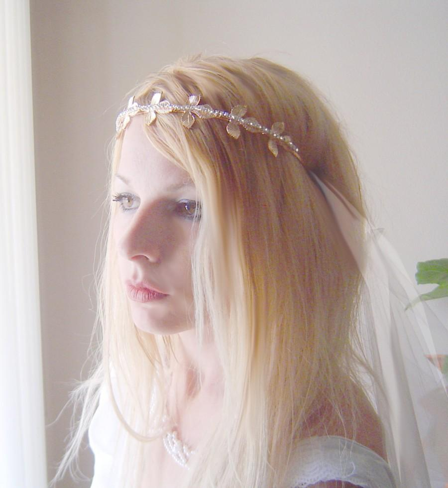 Hochzeit - Gold golden leaves with  floral grecian Veil -- rhinestone embellished gatsby 1920's beach juliet cap glamour wedding bridal veil