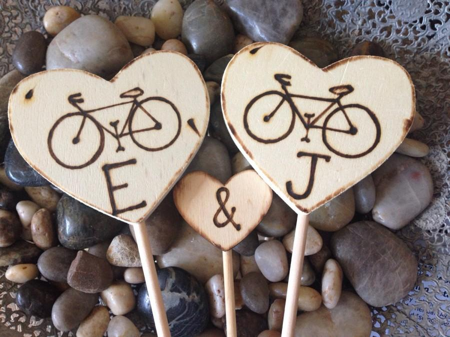 Свадьба - Bicycle Cake Toppers Personalized with Initials Wedding Cake Toppers Wood Hearts Engagement Decorations 3 PC set Portland Minnesota Cycle