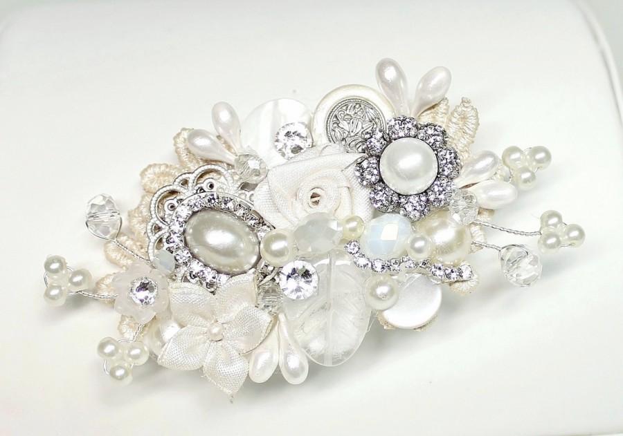 Wedding - Bridal Hair Comb,Bridal Clip- Pearls, Crystal,Rhintesones-Vintage Hair Piece-Ivory Hair Accessories-Wedding Hair Accessories-Pearl Hair comb