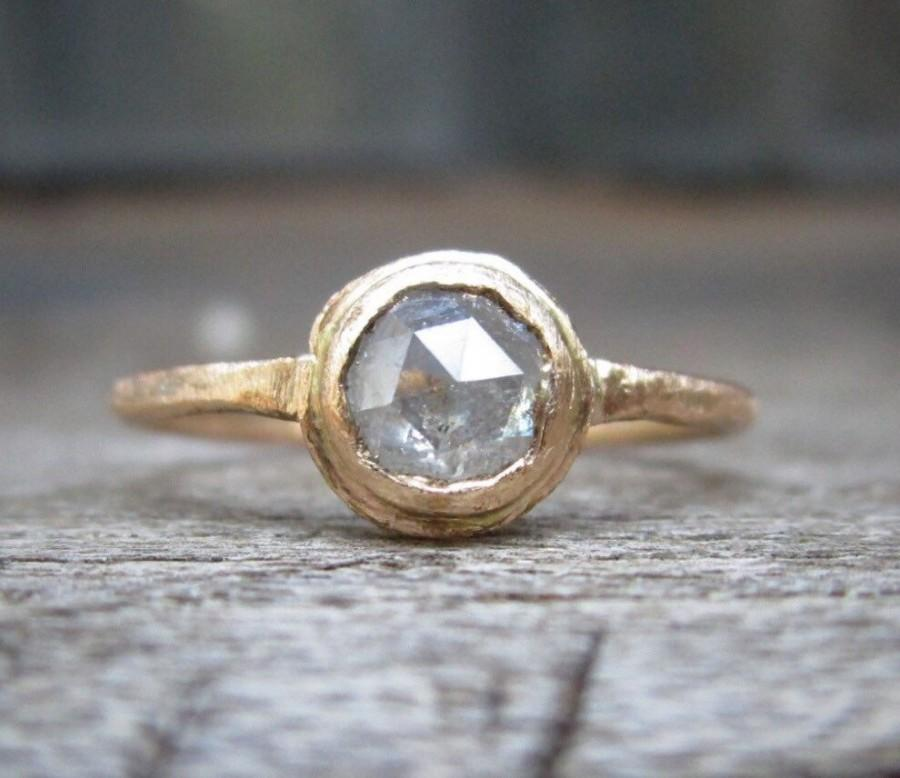 زفاف - Rose Cut Diamond ring, White Raw diamond Round, Raw Diamond Engagement Ring, 14k Gold, Halo, Brushed Finish, Conflict Free, Diamond ring
