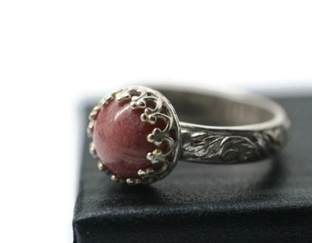 زفاف - 8mm Rhodonite Ring, Natural Pink Gemstone, Engagement Ring, Floral Ring Band, Renaissance Style Jewelry